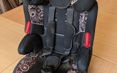 Kindersitz fürs Auto